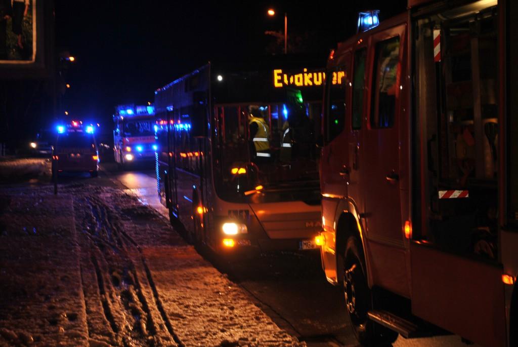 28.12.2014 - Kellerbrand auf der Theodor-Heuss-Straße fordert 4 verletzte