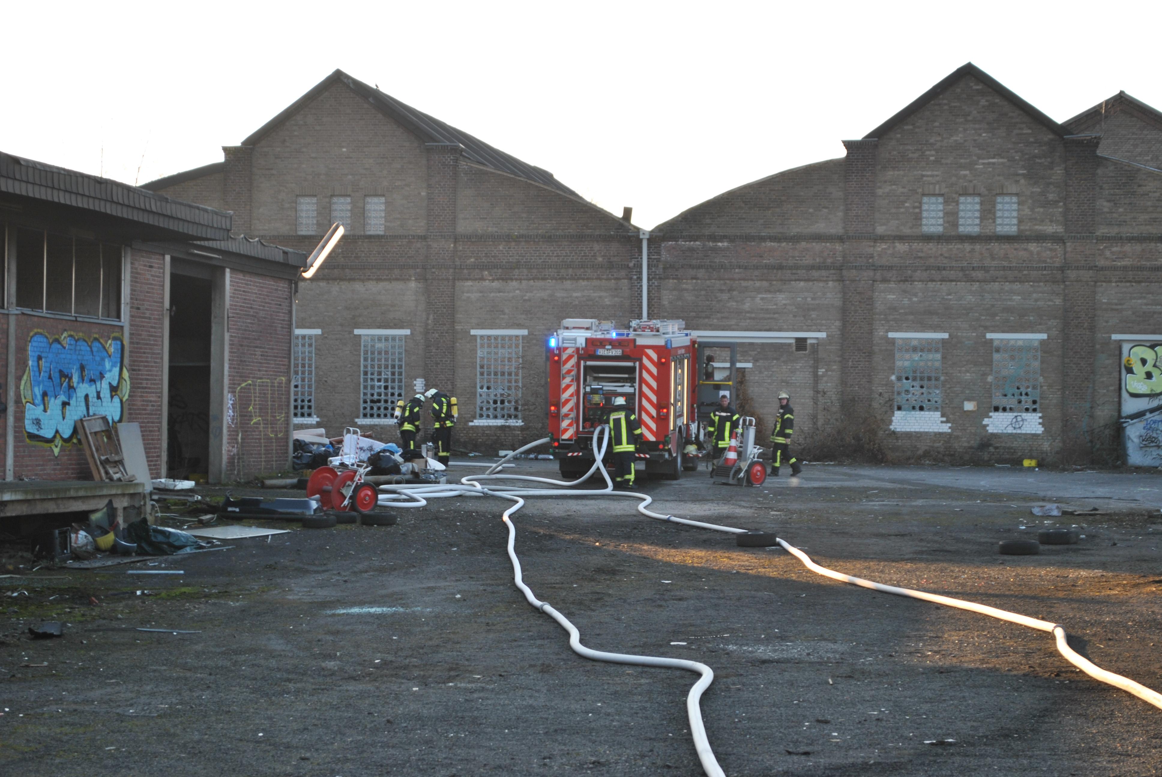 Viersen: Brand in ehemaliger Lagerhalle war Brandstiftung