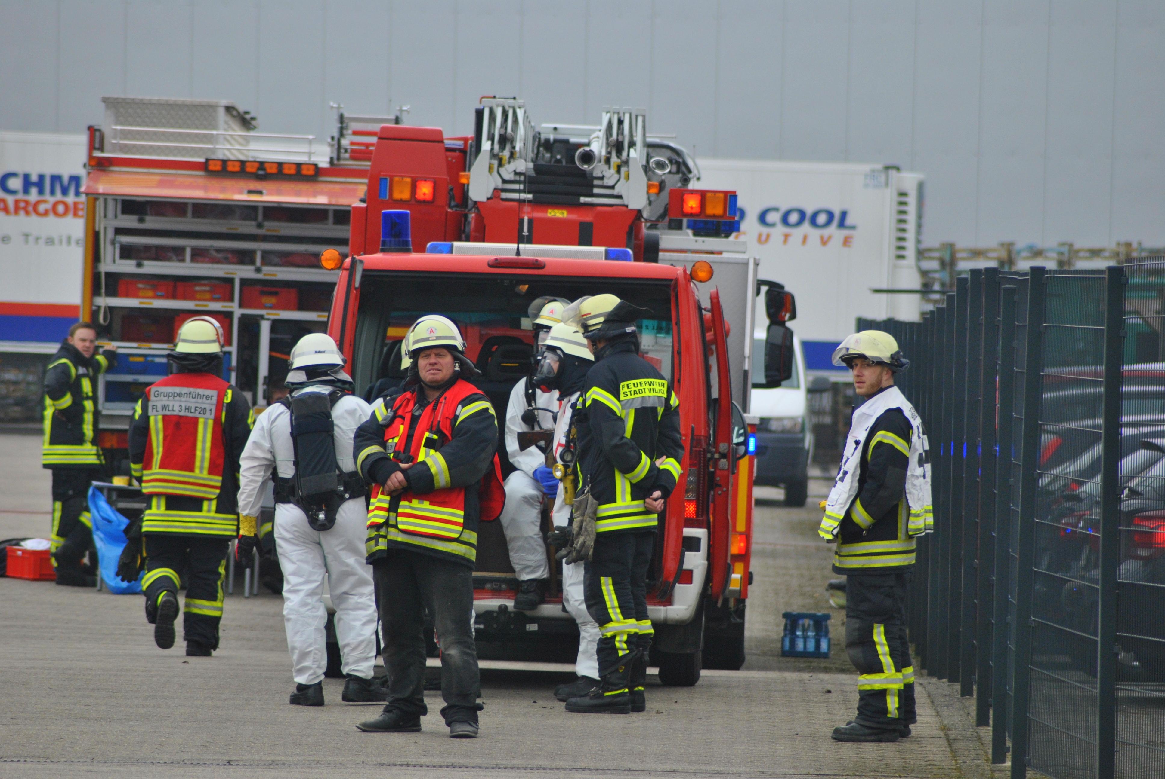 VIE-Willich – 15.03.16: Chemische Reaktion 11 Mitarbeiter leicht verletzt